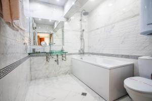 Panorama Top Floor Rooms in Hotel Tundzha, Гостевые дома  Ямбол - big - 43