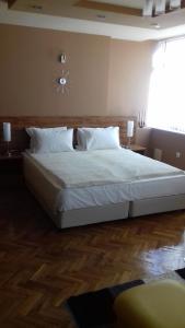 Panorama Top Floor Rooms in Hotel Tundzha, Гостевые дома  Ямбол - big - 47