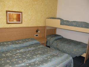 Villa Ilaria, Bed & Breakfasts  Caderzone - big - 19