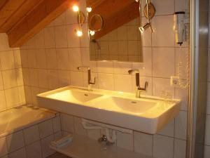 Ferienhäuser Thalbach, Apartmanok  Heiligenblut - big - 42