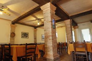 Agriturismo Casa degli Archi, Farm stays  Lapedona - big - 41