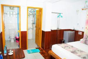 Than Lwin Hotel, Szállodák  Mawlamyine - big - 9