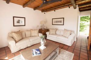 Klein Waterval Riverside Lodge, Guest houses  Franschhoek - big - 77