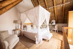 Klein Waterval Riverside Lodge, Guest houses  Franschhoek - big - 49
