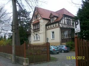 Pension & Gästehaus Villa Kühn - Göbitz