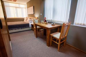 Panorama Top Floor Rooms in Hotel Tundzha, Гостевые дома  Ямбол - big - 38