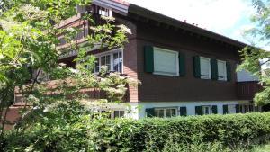 Alpenflair Ferienwohnungen Whg 303, Apartmány  Oberstdorf - big - 1