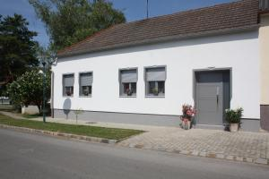 Namas Zur Weinlaube Mönchhof Austrija