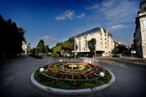Plaza V Hotel