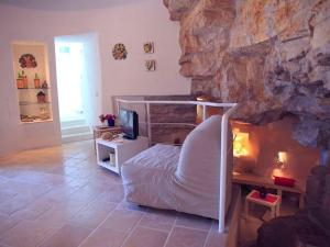 Holiday home Trullo Fiore Di Mare, Ferienhäuser  Trani - big - 5