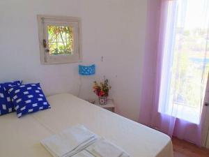 Holiday home Trullo Fiore Di Mare, Nyaralók  Trani - big - 8