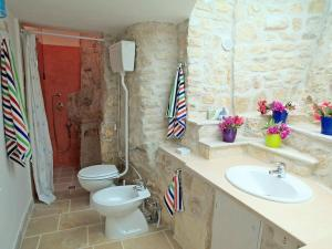 Holiday home Trullo Fiore Di Mare, Ferienhäuser  Trani - big - 12