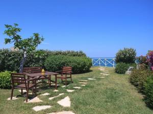 Holiday home Trullo Fiore Di Mare, Ferienhäuser  Trani - big - 15