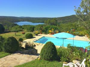 Cozy Holiday Home in Montpezat with Private Pool