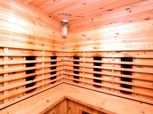 Holiday home La Coccinelle, Ferienhäuser  Barvaux - big - 38