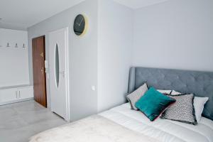 Elegant City Center Apartment 7B
