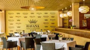 Hotel Complex Havana, Отели  Тыргу-Окна - big - 16
