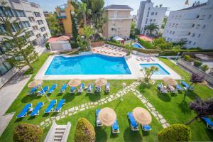 Atenea Park Suites & Apartments