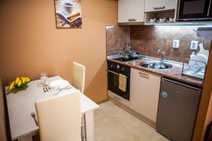 Panorama Top Floor Rooms in Hotel Tundzha, Гостевые дома  Ямбол - big - 10
