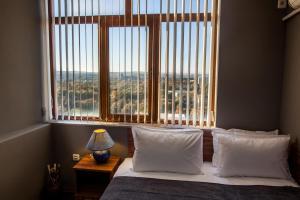 Panorama Top Floor Rooms in Hotel Tundzha, Гостевые дома  Ямбол - big - 14