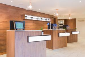 Courtyard by Marriott Glasgow Airport, Hotels  Paisley - big - 19