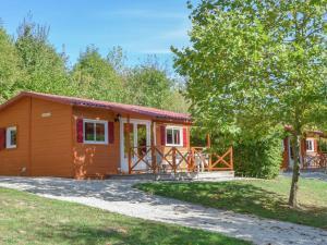 Location gîte, chambres d'hotes Chalet Le Chalet 1 dans le département Dordogne 24