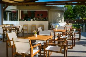 Hostales Baratos - Olive Grove Studios & Apartments