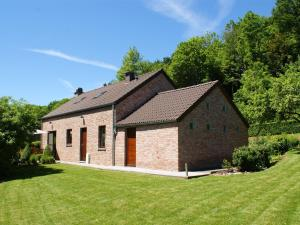 obrázek - Modern Holiday Home in Stavelot with Fireplace