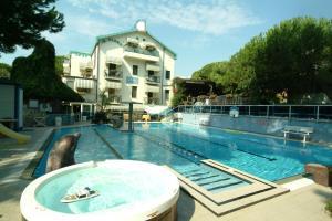 Hotel Flora - AbcAlberghi.com