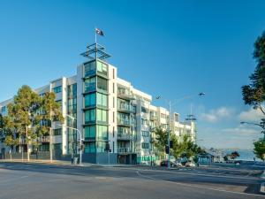 obrázek - Waterfront (Yarra St) by Gold Star Stays