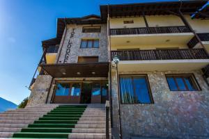Top Lodge Apartments, Банско