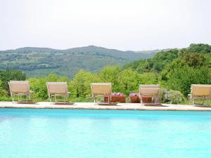 Peaceful Apartment in San Gimignano Tuscany with P - AbcAlberghi.com