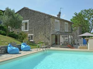 Holiday Home Les Clos De Coulouvres 1