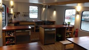 Auberges de jeunesse - Auberge Kyle Blue - Bristol Harbour Luxury  Boat