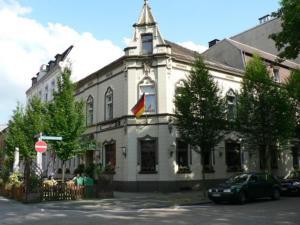 Stadt-Gut-Hotel Zum Rathaus - Alstaden