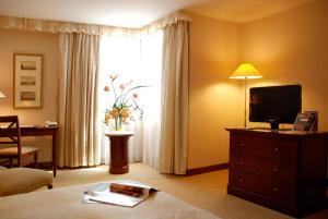 evergreen-laurel-hotel