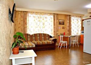 Apartment on Slonova 74/76 near Railstation - Krasnoarmeyskaya Sloboda