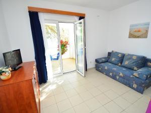 Apartment Ivan.1, Apartments  Tribunj - big - 6