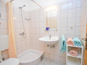 Apartment Ivan.1, Apartments  Tribunj - big - 7