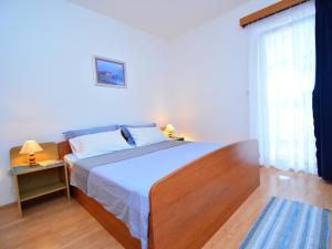 Apartment Ivan.1, Apartments  Tribunj - big - 9