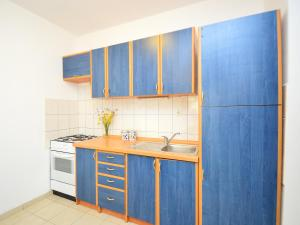 Apartment Ivan.1, Apartments  Tribunj - big - 14