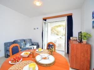 Apartment Ivan.2, Appartamenti  Tribunj (Trebocconi) - big - 12