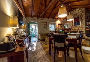 Hostels e Albergues - Enastron Guesthouse
