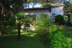 Villetta Ambra, Dovolenkové domy  Lignano Sabbiadoro - big - 8