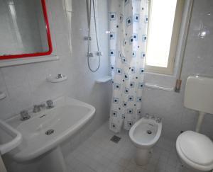 Villetta Ambra, Dovolenkové domy  Lignano Sabbiadoro - big - 4