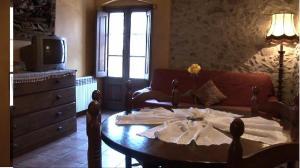 Allotjaments Rurals Can Pere Petit, Apartmanok  Santa Pau - big - 52