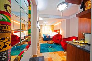 Azade Suites