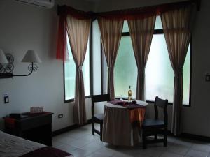 Hotel Provincial, Aguas Zarcas