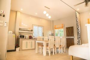 Bann Income Holiday House, Дома для отпуска  Чиангмай - big - 39
