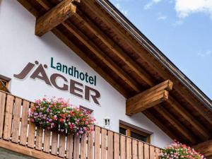 Landhotel Jäger TOP, Hotely  Wildermieming - big - 28